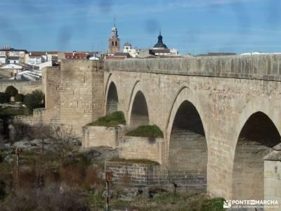 Ciudad de Vascos-Dolmen de Azután;val d aran ropa montaña material escalada visitas en madrid